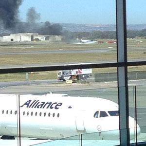 plane-fire-adelaide Photo Rob Lenz