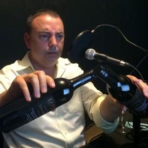steve-with-kaesler-wine Photo Colin Long